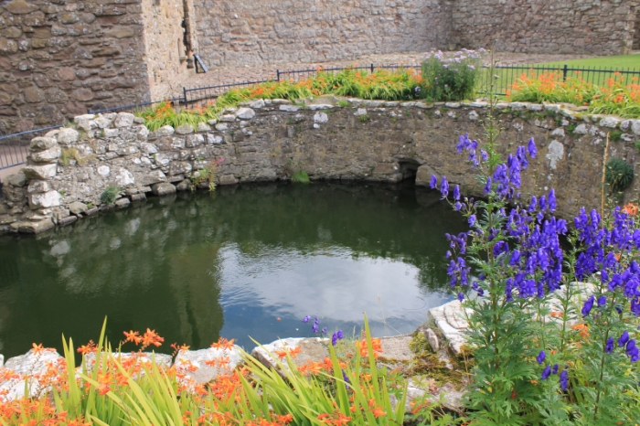The well which provided fresh water for all the residents and workshops inside the castle walls.